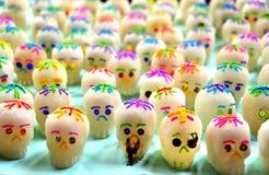 Süße Schädel für den Halloween-Tag in Mexiko Stockfotos