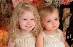 Süße Schwestern Stockbilder