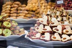 Süßer belgischer Nachtisch im Shop lizenzfreies stockbild