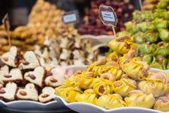 Süßer belgischer Nachtisch im Shop stockfotos