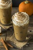 Süßer gefrorener Kürbis-Gewürz Latte Lizenzfreie Stockbilder
