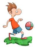 Süßer Mann spielt Fußball Stockfotos