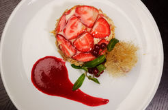 Süßer Nachtisch mit Erdbeeren Lizenzfreie Stockbilder