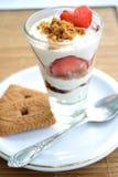Süßer Nachtisch mit Erdbeeren Lizenzfreie Stockfotos