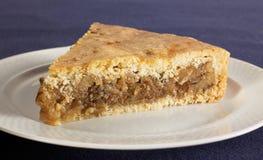 Süßer Nahrungsmittelnachtisch, Kuchen beim Einstellen minimal Lizenzfreies Stockfoto