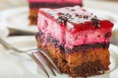 Süßer sahniger Kuchen mit Kaffee lizenzfreie stockfotografie