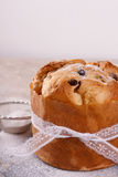 Süßes Brotlaib des Panettone traditionell für Weihnachten Stockfotografie