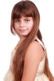 Süßes kleines Mädchen schaut auf Kamera Lizenzfreies Stockbild