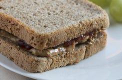 Süßes Sandwich mit Stau und Erdnussbutter Lizenzfreies Stockbild