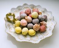Süßigkeit auf Platte Lizenzfreie Stockbilder
