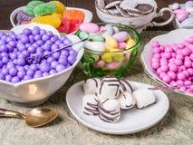 Süßigkeit-Buffet und Wüsten-Tabelle stockfotografie