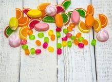 Süßigkeit im Hintergrund, der Hut für den Standort Stockbilder