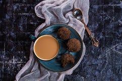 Süßigkeiten in der Schokolade stockfotografie