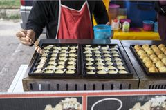 Süßigkeiten für Verkauf an einem Nachtmarkt stockfoto
