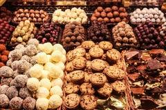 Süßigkeiten für Verkauf am lokalen Markt Stockfotos