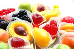 Süßigkeiten in Form von Früchten Stockfotos