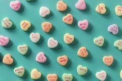 Süßigkeits-Gesprächs-Herzen für Valentinstag Stockfotografie