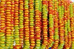 Süßigkeits-Halskettenfall in Thailand-Markt lizenzfreies stockfoto