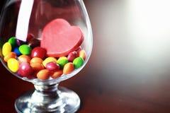 Süßigkeitsdragée im Glas Lizenzfreie Stockbilder