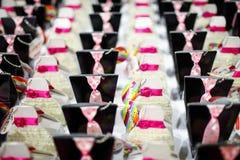 Süßigkeitskästen an der Hochzeit Stockfotografie