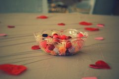 Süßigkeitsteller des Valentinsgrußes Stockbilder