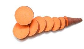 Süßkartoffel auf dem weißen Hintergrund Lizenzfreie Stockfotos