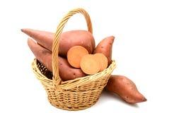 Süßkartoffel auf dem weißen Hintergrund Stockfoto