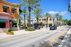 Süd-Florida-Straße mit Einzelhandelsgeschäften stockbild