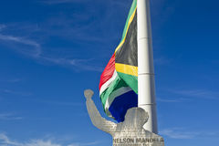 Südafrikanische Flagge und Nelson Mandela Cutout Lizenzfreie Stockfotografie