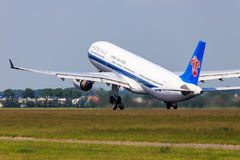 Südliche Jet-Abreise Chinas lizenzfreie stockfotos