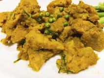 Südliche thailändische Küche, Rotwild briet mit Curry-Paste an stockbild