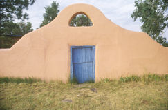 Südwestlicher Arteingang zur Greer Garson-Ranch Lizenzfreies Stockfoto