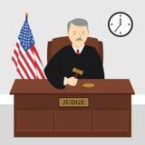 Sędzia na przesłuchaniu trzyma młoteczek w sądzie Obraz Royalty Free