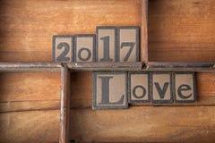 Słów 2017 miłość w drewnianym typeset Obrazy Stock