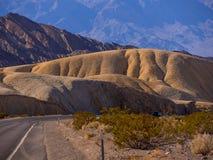 Sławna Śmiertelna dolina w Kalifornia KALIFORNIA, PAŹDZIERNIK - 23, 2017 - ŚMIERTELNA dolina - Zdjęcie Stock
