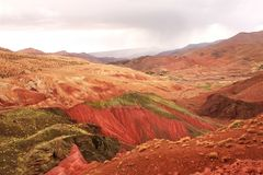 Sławna barwiąca gliniana ziemia w atlant górach, Maroko Obrazy Stock