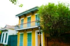 Sławna bourbon ulica, Nowy Orlean, Luizjana Starzy dwory w dzielnicie francuskiej Nowy Orlean zdjęcia stock