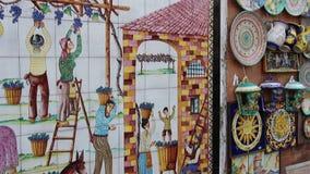 Sławna handmade ceramika w ulicznym pamiątkarskim sklepie zbiory