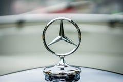 Sławna promień gwiazda Mercedes-Benz Obrazy Stock