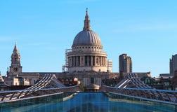 Sławna St Paul ` s katedra przy wschodem słońca, Londyn, Zjednoczone Królestwo fotografia royalty free