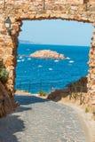 Sławna zatoka wioska Tossa De Mącący Catalonia obraz stock