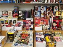 Sławni Amerykańscy Komiczni magazyny Dla sprzedaży W Lokalnym Bookstore Fotografia Stock