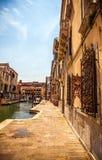 Sławni architektoniczni zabytki i kolorowe fasady stary średniowieczny budynku zakończenie n Wenecja, Włochy Zdjęcia Royalty Free