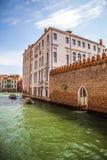 Sławni architektoniczni zabytki i kolorowe fasady stary średniowieczny budynku zakończenie n Wenecja, Włochy Zdjęcie Stock