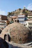 Sławni Tbilisi punkty zwrotni - średniowieczny siarczany kąpać, Gruzja Zdjęcia Royalty Free