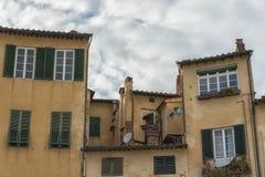 Sławny średniowieczny kwadrat znać jako piazza amfiteatr w Lucca Zdjęcie Stock