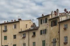 Sławny średniowieczny kwadrat znać jako piazza amfiteatr w Lucca Obraz Royalty Free
