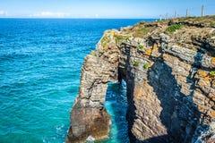 Sławny Hiszpański miejsce przeznaczenia, katedry wyrzucać na brzeg (playa de lasy cated Obrazy Royalty Free