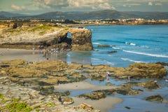 Sławny Hiszpański miejsce przeznaczenia, katedry wyrzucać na brzeg (playa de lasy cated zdjęcia stock
