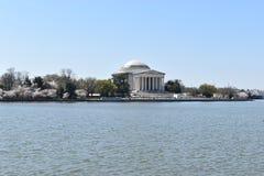 Sławny Jefferson zabytek na Jeziornym Pływowym basenie w Waszyngtońskim d C w usa zdjęcia royalty free